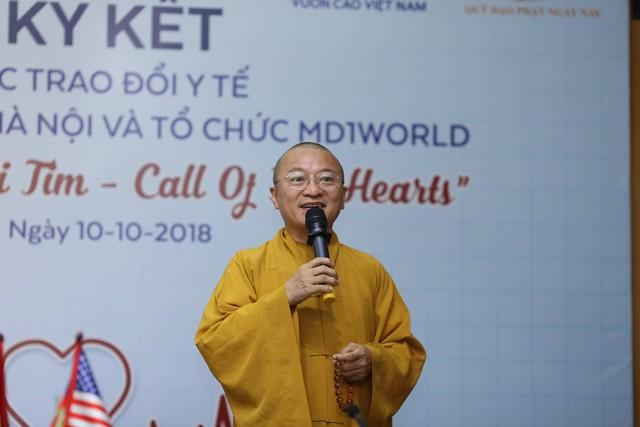 Thượng tọa, tiến sĩ Thích Nhật Từ - sáng lập Quỹ Đạo Phật Ngày Nay chia sẻ trong chương trình