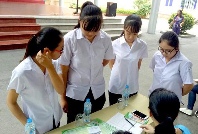 Hiện nay, hầu hết các trường học đều tổ chức tuyên truyền, chăm sóc sức khỏe sinh sản vào giờ ngoại khóa hay tổ chức sinh hoạt theo chủ đề.