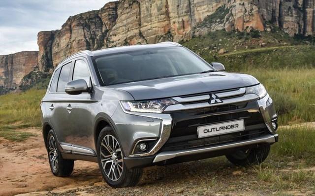 Mitsubishi Outlander tăng giá nhẹ.