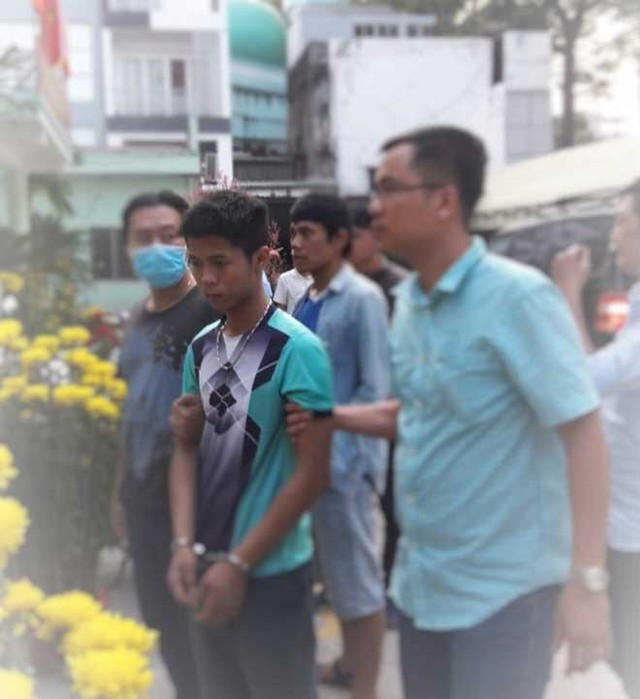 Hung thủ Nguyễn Hữu Tình được di lý từ Long An về TP Hồ Chí Minh điều tra, xử lý