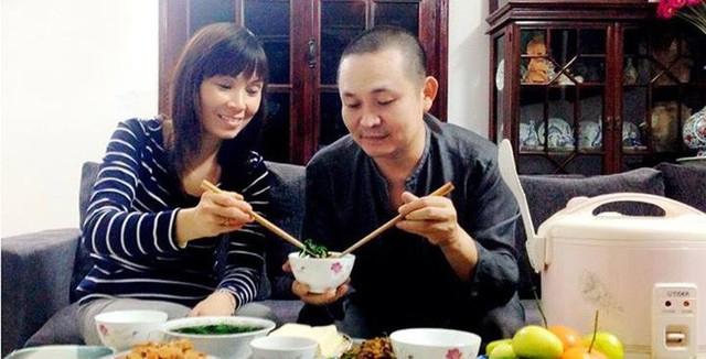 Còn Thanh Thanh Hiền đã lên xe hoa với ca sĩ Chế Phong - con trai Chế Linh vào tháng 3/2015.