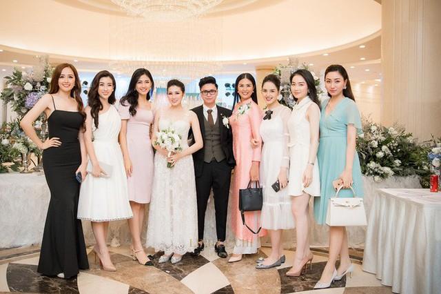 Thanh Tú trong đám cưới Tú Anh