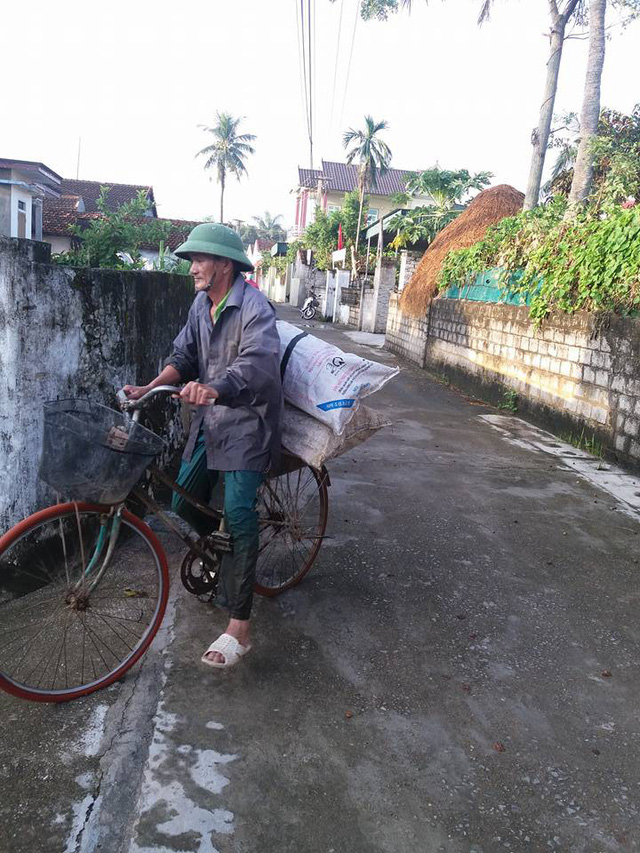Ông Thao đi thả lươn lúc còn khỏe