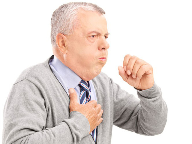 Cảm cúm, cũng như những bệnh khởi phát khi thời tiết thay đổi khác, luôn là mối hiểm họa đối với sức khỏe người cao tuổi. Ảnh: Shutterstock