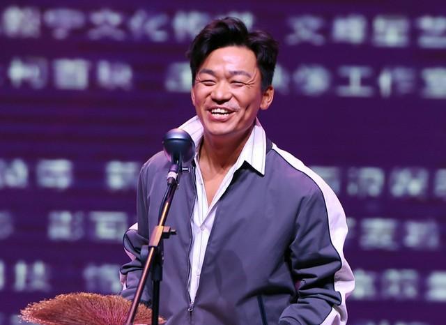 Vương Bảo Cường là sao nam ngoại hình kém sắc nhưng thành công ở Trung Quốc.