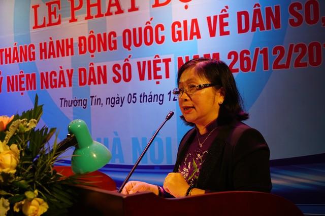Bà Nguyễn Thị Ngọc Lan, Phó Tổng cục trưởng Tổng cục DS-KHHGĐ (Bộ Y tế) phát biểu chỉ đạo tại buổi lễ. Ảnh: N.Mai