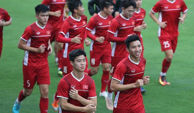 Tuyển Việt Nam sẵn sàng cho trận đấu.