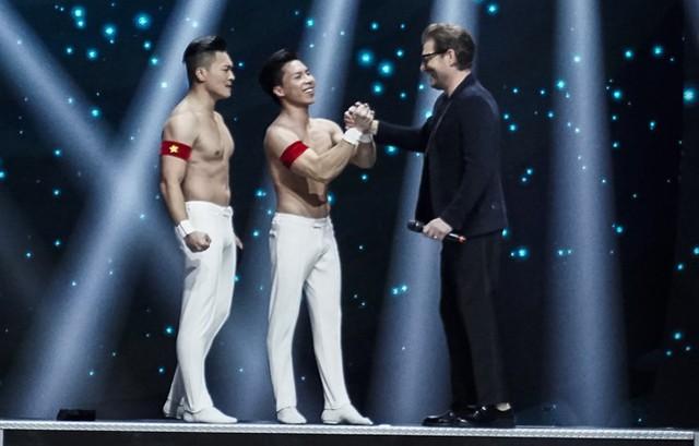 Với thành tích này, anh em họ Giang đã chính thức lập kỷ lục thế giới mới.