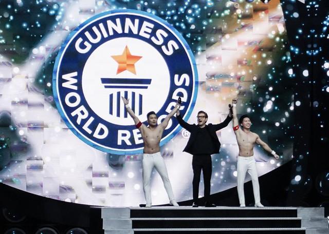 Ban tổ chức Kỷ lục Guinness Thế giới cho biết tiết mục của Quốc Cơ - Quốc Nghiệp là một trong những màn diễn gây ấn tượng mạnh nhất trong số gần 30 tiết mục tham gia xác lập Kỷ lục Guinness lần này ở Italy.