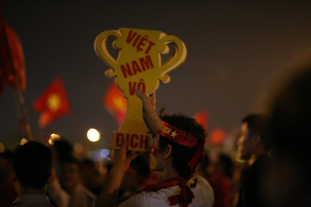 Niềm tin Việt Nam vô địch luôn rực cháy trong tim các cổ động viên.