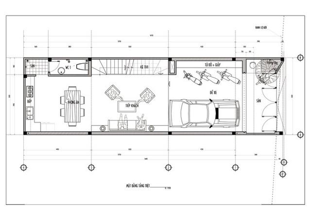 Bản vẽ mặt bằng tầng trệt gồm sân, khu vực để xe, phòng khách, bếp, phòng ăn, WC.
