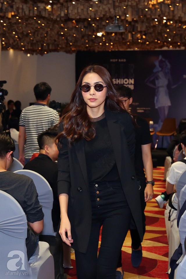 Tăng Thanh Hà xuất hiện lập tức thu hút được sự chú ý, đây là lần hiếm hoi cô tham gia vào 1 một sự kiện của làng giải trí với vai trò chính sau 6 năm.