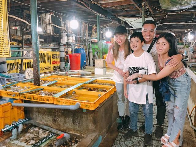 Chính bởi lẽ đó mà Mạnh Hùng và Hoàng Linh ít khi có cơ hội gặp Su. Tuy nhiên, mỗi lần đoàn tụ, cả gia đình đi chơi rất vui vẻ.