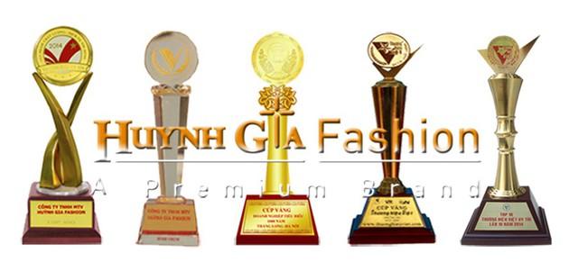 Huỳnh Gia Fashion đạt được nhiều giải thưởng cao quý