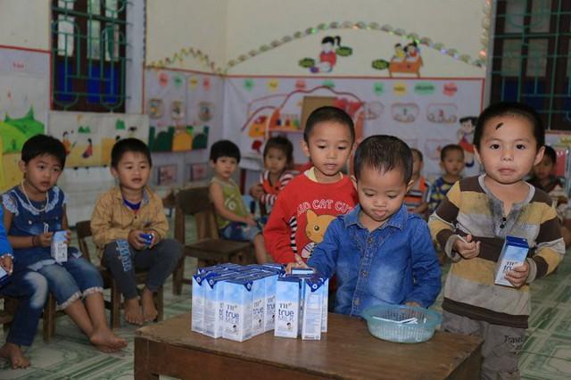 Chương trình sữa học đường đường học sinh chờ đón- Ảnh minh họa nguồn Internet