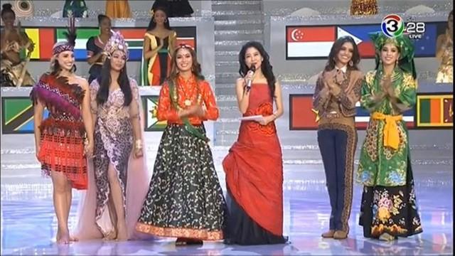 Tiểu Vy và Top 5 Hoa hậu Nhân ái.