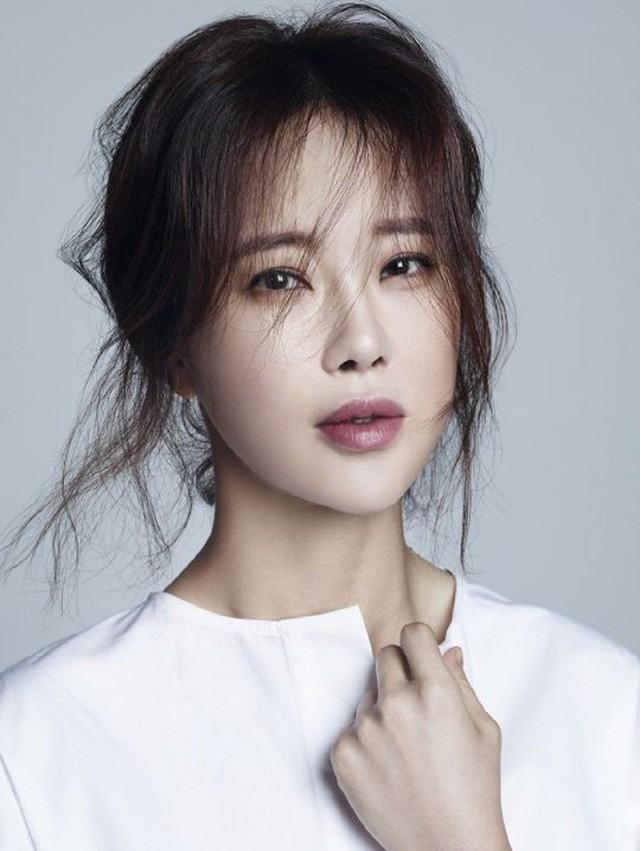 """""""Nữ hoàng nhạc phim"""" Baek Ji Young bật khóc, lần đầu lên tiếng về lùm xùm chồng sử dụng ma túy"""