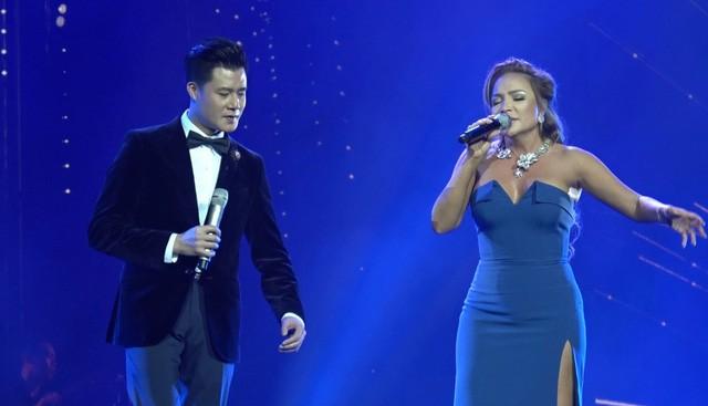 Quang Dũng- Thanh Hà cũng góp mặt trong chương trình ca ngợi tình yêu, tôn vinh phụ nữ này.
