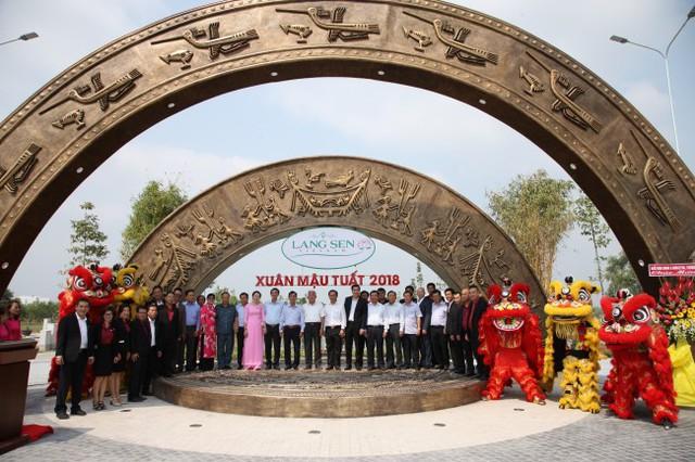 Sự quan tâm của lãnh đạo tỉnh Long An và huyện Đức Hòa chính là sự động viên to lớn dành cho Nhà phát triển Công trình xanh Phuc Khang Corporation