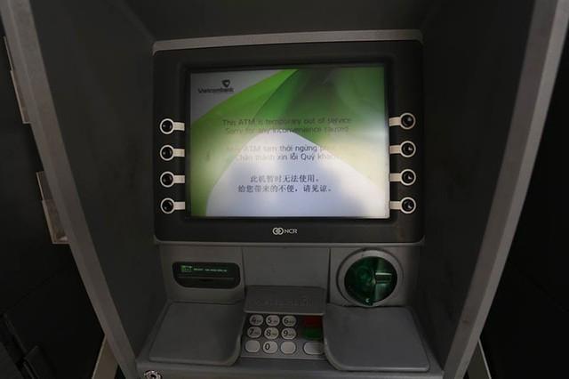Cây ATM ngừng hoạt động do hết tiền.