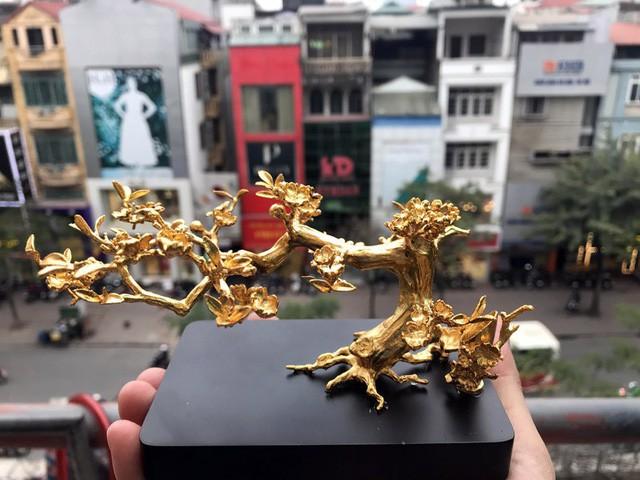 """Đại gia Hà thành ráo riết """"săn"""" mai đúc vàng giá nửa tỷ làm quà biếu Tết"""