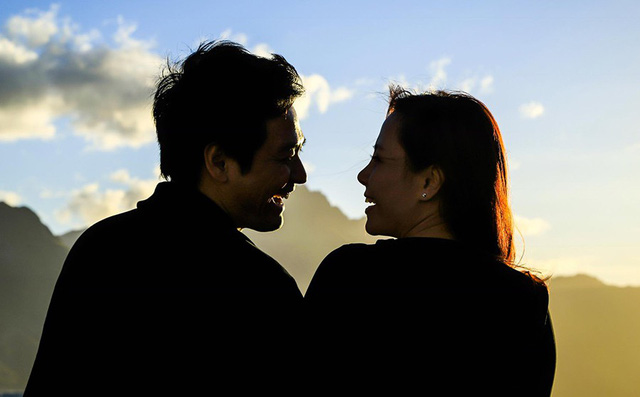 Khoảnh khắc hạnh phúc của vợ chồng Phan Anh.
