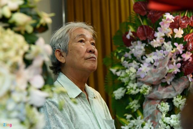 Diễn viên Tấn Thi xót xa trước sự ra đi đột ngột của đồng nghiệp. Anh kể có biết Nguyễn Hậu bệnh nhưng không biết đó là ung thư gan.
