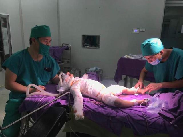Sau ca phẫu thuật, hiện sức khỏe bé N. đã ổn định và đang được theo dõi nghiêm ngặt. Ảnh: T.Thiêm