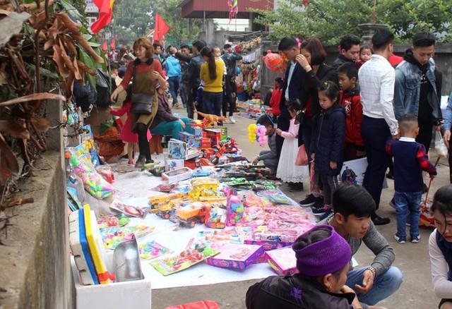 Khu vực bán đồ chơi trẻ em hút khách