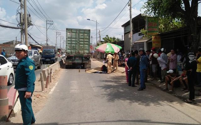 Va chạm với xe container, đôi nam nữ tử vong vào mùng 6 Tết