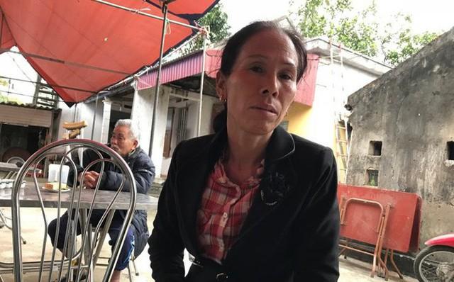 Bà Lê Thị Hoa (cô của nạn nhân Lê Xuân Hải - PV) chia sẻ với PV.