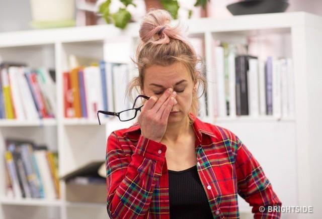Nếu bạn cảm thấy mệt mỏi tất cả thời gian thì có thể là 1 dấu hiệu của sự mất cân bằng hormone.