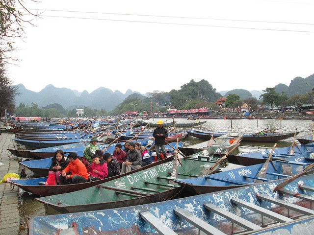 Năm nay, ban tổ chức lễ hội cho phép 4.500 đò hoạt động chở du khách.