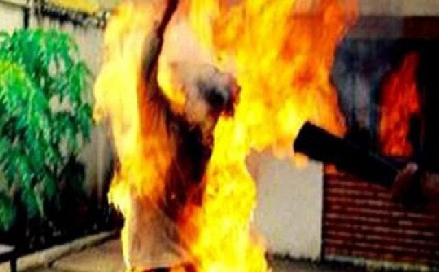 Điều tra vụ cô gái bốc cháy dữ dội sau khi cãi nhau với người yêu