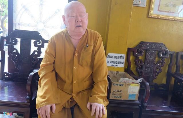 Thượng tọa Thích Duy Trấn là người tiên phong trong việc loại bỏ đốt vàng mã ở chùa. Ảnh: Hoài Thanh.