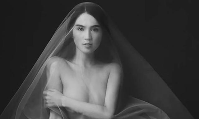 Một số hình ảnh nude của Nữ hoàng nội y gây sốt cộng đồng mạng trước đó.