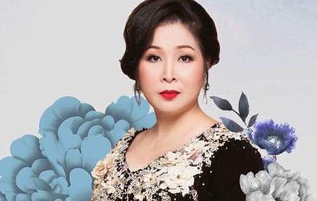 NSND Hồng Vân mở lại sân khấu kịch sau hai ngày tuyên bố đóng cửa