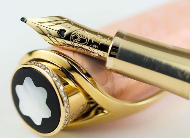 Những chiếc bút máy xa xỉ nhất thế giới đắt ngang siêu xe
