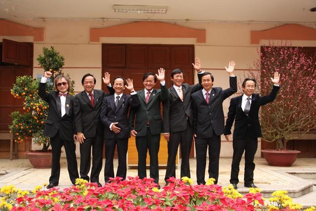 Những người con thành đạt của GS Nguyễn LânẢnh: NVCC
