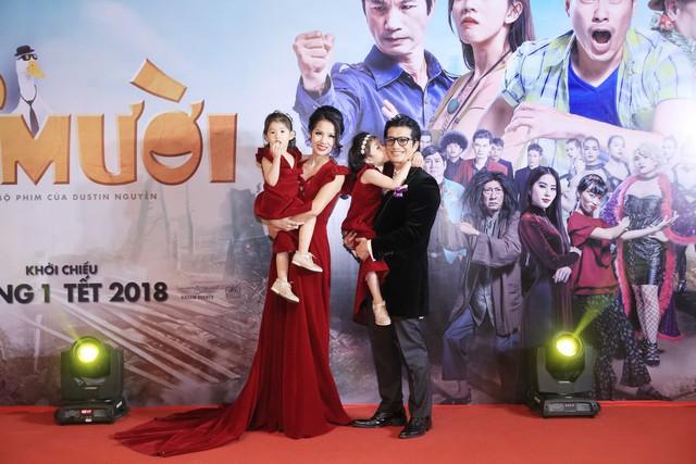 Gia đình Dustin Nguyễn thu hút nhiều chú ý của người hâm mộ