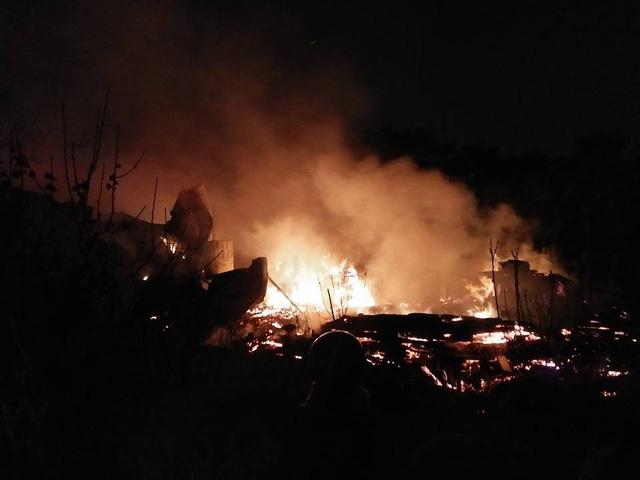 Hà Nội: Nhà xưởng bùng cháy dữ dội, người dân hoảng loạn