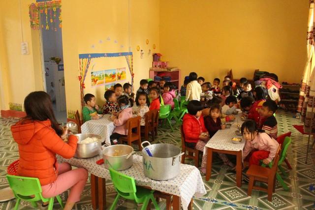Việc trong năm học mới 2018 - 2019, hơn 1.000 giáo viên hợp đồng tỉnh Hải Dương  có đươc tiếp tục trả lương hay không thì vẫn bỏ ngỏ. Ảnh: Đ.Tùy