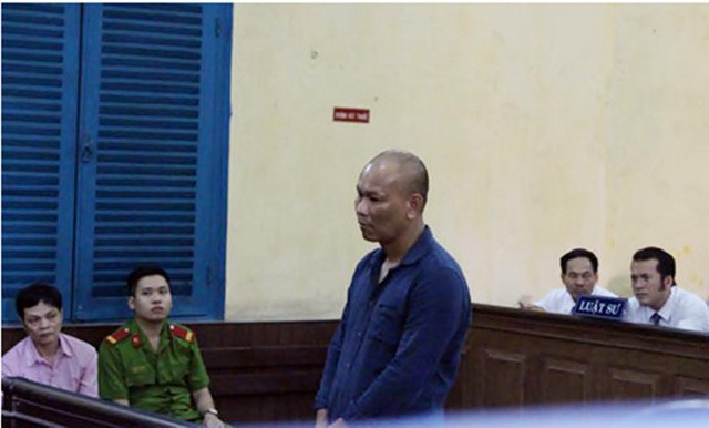 Bị can Miên tại phiên tòa sơ thẩm lần 1.