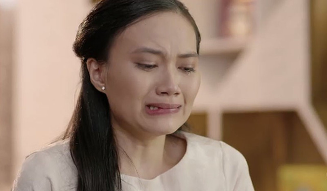 Nhiều cô gái bật khóc đêm giao thừa tại nhà chồng vì nhớ bố mẹ (Ảnh minh họa).