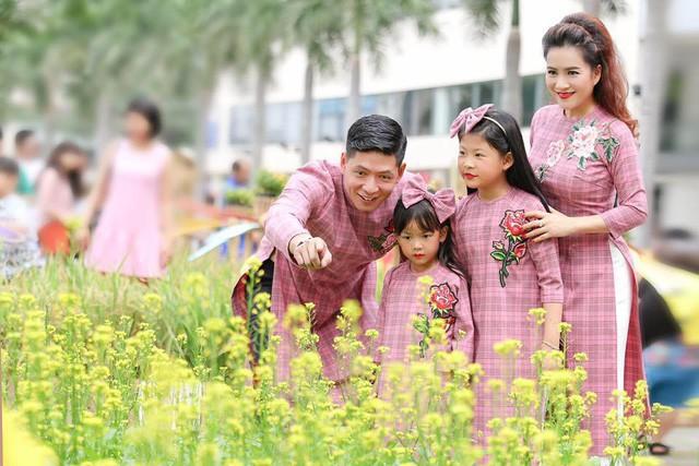 Gia đình hạnh phúc của Bình Minh.