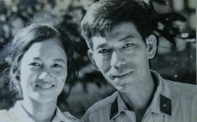 Nghệ sĩ Mai Ngọc Căn và vợ thời trẻ.