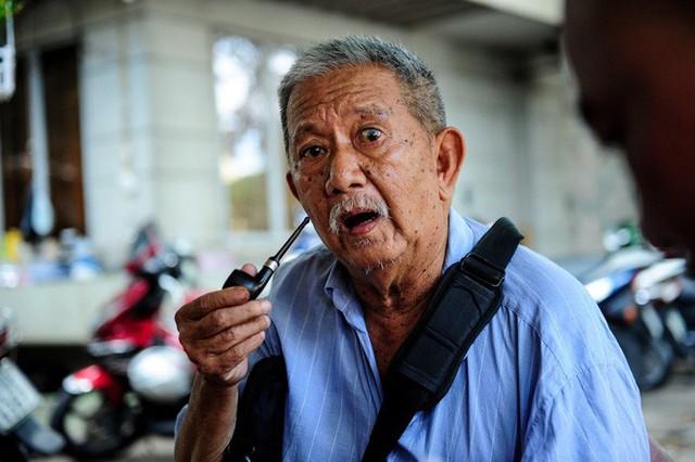 Một tuần sau khi tôi về Sài Gòn, cô biên tập đó gọi điện xin tôi in nó thành tiểu thuyết.