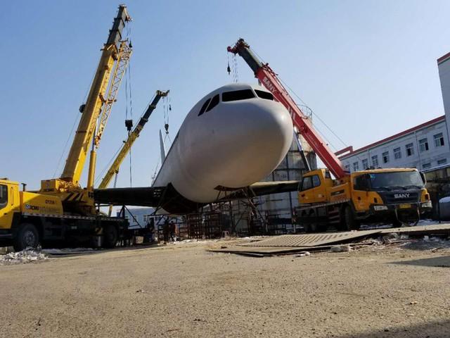 Anh thậm chí còn làm cả một động cơ tuabin có thể quay và nói rằng anh muốn đó sẽ là mô hình A320 tuyệt nhất tại Trung Quốc.