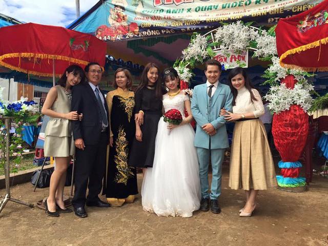 Cậu kết hôn năm 2015 và đang sống cùng vợ con tại Tp. Hồ Chí Minh. Trần Lê Nhật và vợ hiện đang kinh doanh online.