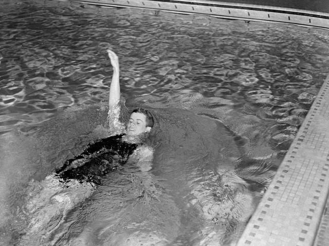 Cựu Tổng thống John F. Kennedy khi còn là sinh viên Đại học Harvard năm 1938. (Ảnh: AP)
